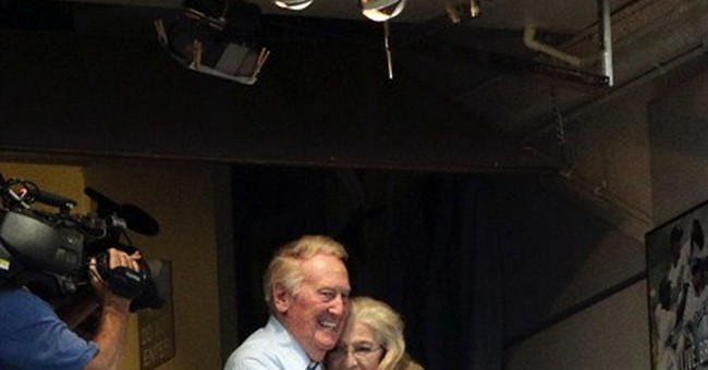 Vin Scully to return for 66th season in LA in 2015